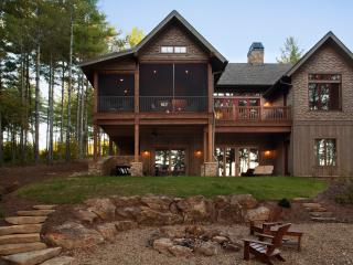 "Camp Lake James ""Bluegill"" Lakefront Lodge w/ dock - Nebo vacation rentals"