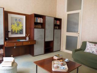 GBM2 - Cozy&quiet apt close 2 FIERA - Milan vacation rentals