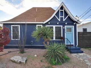 Casita Miriam - Modern, lofted Cottage in central - Austin vacation rentals