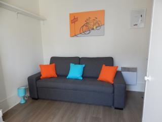Charmant studio centre Paris 10min - Clichy vacation rentals