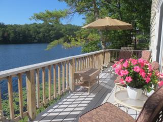 Lake Cottage on Knickerbocker Lake Boothbay ME. - Boothbay vacation rentals