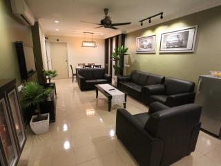 Susan's Deluxe Vacation Home - Ipoh vacation rentals