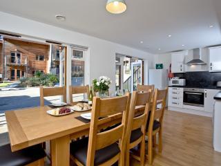 2 Tolcarne located in Porthtowan, Cornwall - Porthtowan vacation rentals
