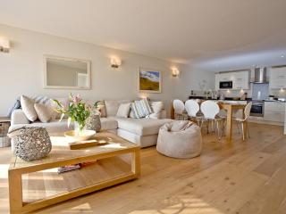 Apartment 7, Gara Rock located in East Portlemouth, Devon - Kingsbridge vacation rentals