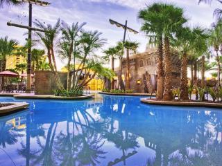 Luxurious 1 Bedroom 1 Bath Inside the Gates of Disney World!! - Lake Buena Vista vacation rentals