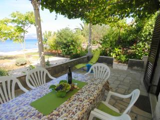 Privacy at the beach house in Drače - Janjina vacation rentals