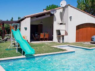 Residence le Chateau, villa for 6 with pool - Cazilhac vacation rentals