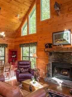 Bear Dancer - Wonderfully secluded with mountain view! Sleeps up to five! - Chatsworth vacation rentals