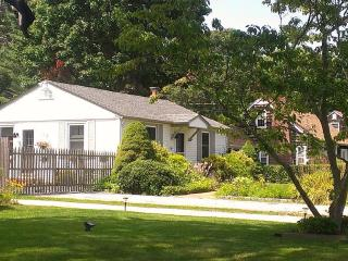Charming 2 Bedroom House with Pool in Bellport Vil - New York City vacation rentals
