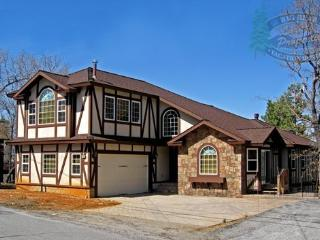 Alpine Chateau Cabin a magnificent and luxurious Big Bear Vacation Cabin in the tradition of an Alpine Chateau design. - Big Bear Lake vacation rentals