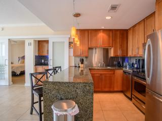 Deluxe One Bedroom Overlooking the Gulf of Mexico - Biloxi vacation rentals