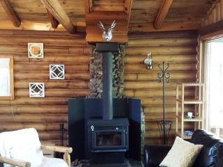 Cozy Cottage with Internet Access and Long Term Rentals Allowed - Labelle vacation rentals