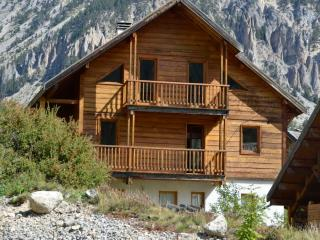 Nice Cottage with Internet Access and Washing Machine - Nevache vacation rentals