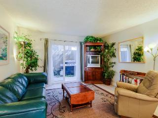 Walk to the beach & downtown - sleeps 6! - San Clemente vacation rentals