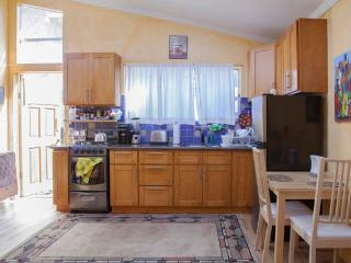 1 bedroom Apartment with Internet Access in Albany - Albany vacation rentals