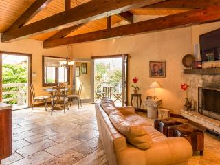 Picturesque 1 Bedroom Guesthouse in Malibu - Westlake Village vacation rentals