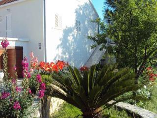 Nice 3 bedroom Condo in Kupari with Television - Kupari vacation rentals