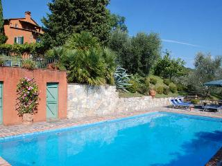 Beautiful Tuscan Villa with Pool on a Hillside Near Lucca - Villa Oliva - Lucca vacation rentals