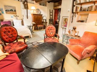 appartement duplex calme, artistique à Montmartre - Paris vacation rentals
