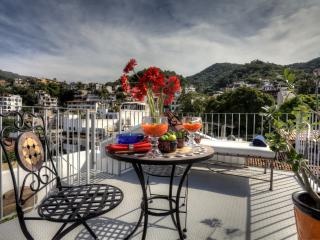 DELUXE CONDO DE COLORES PENTHOUSE - Puerto Vallarta vacation rentals