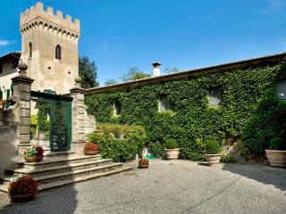 Villa di Montelopio, Sleeps 9 - Pisa vacation rentals