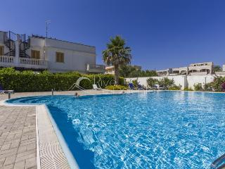 New apartment 6 sleeps in residence with pool - Santa Maria al Bagno vacation rentals