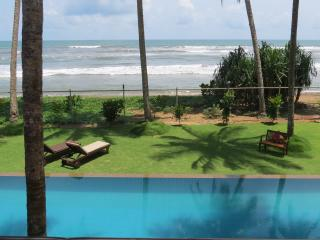 Luxury private beach villa in Wadduwa - Wadduwa vacation rentals