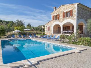 Perfect villa for your perfect holidays - Campanet vacation rentals
