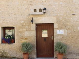 Beautiful 1 bedroom Bed and Breakfast in Chalais (Charente) - Chalais (Charente) vacation rentals
