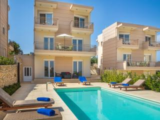 Luxury Villa 150m from the beach, Loutraki Chania - Marathi vacation rentals