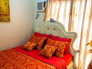 3-BR, CONDO EDSA GRAND Residences - Quezon City vacation rentals