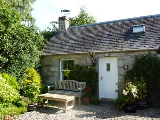 Charming 1 bedroom Pitlochry Cottage with Internet Access - Pitlochry vacation rentals