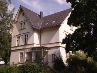 Villa Weyermann - 3 Rooms Apartment - Leichlingen vacation rentals