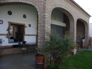Maison dans village typique  très proche mer . - Villablanca vacation rentals