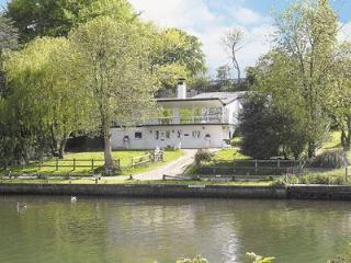 Riverview, Bramerton, Nr Norwich, Norfolk Broads - Bramerton vacation rentals