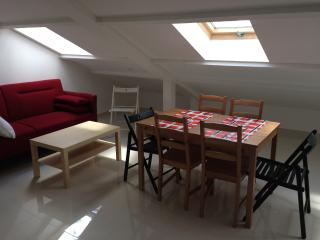 1 bedroom Apartment with Housekeeping Included in Le Bourget - Le Bourget vacation rentals