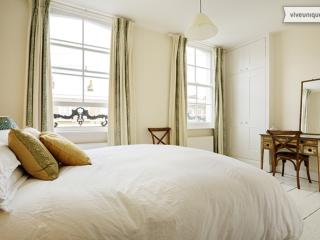 Two Bed, 2 bath Islington, on the Regents Canal - Arlington Ave - London vacation rentals