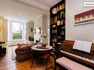 Charming 5 bed, Keith Rd, Shepherd's Bush - London vacation rentals