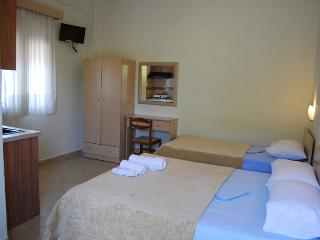 Cozy Thessaloniki Studio rental with Internet Access - Thessaloniki vacation rentals