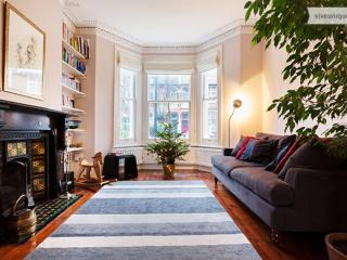 4 bed family home in the Stockwell Conservation Area, Clapham - London vacation rentals