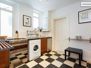 2 bedroom Apartment with Internet Access in London - London vacation rentals