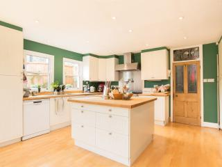 4 bed house on Stockwell Park Road, Stockwell - London vacation rentals
