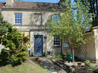 Pretty Georgian Cottage on the outskirts of Bath - Bathford vacation rentals