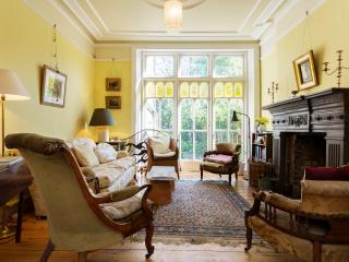 Wonderful House with Internet Access and Washing Machine - London vacation rentals