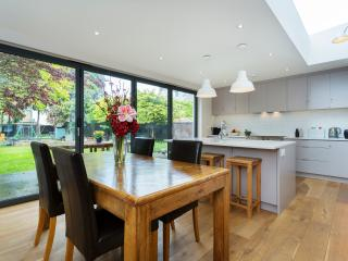 6 bedroom House with Internet Access in London - London vacation rentals