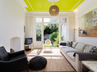 Lovely 4 bedroom London House with Internet Access - London vacation rentals