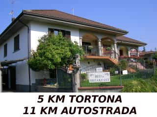 Nice Villa with Internet Access and Dishwasher - Villaromagnano vacation rentals