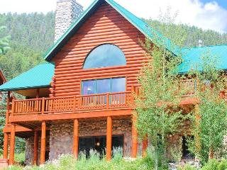 High-end home in Upper Red River with hot tub!!! - Red River vacation rentals