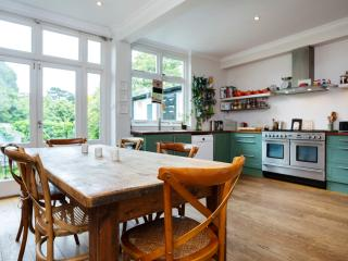 3 bed house in Stylish Crouch End - London vacation rentals