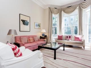 Kensington Glamour, 2 bed 2 bath, Holland Park Avenue - London vacation rentals